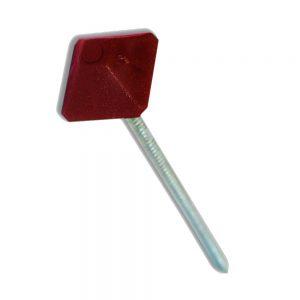 raudonos vinys kvadratinėmis plastikinėmis galvutėmis bituminei stogų dangai tvirtinti